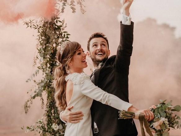 Gekleurde rookbommen op je bruiloft