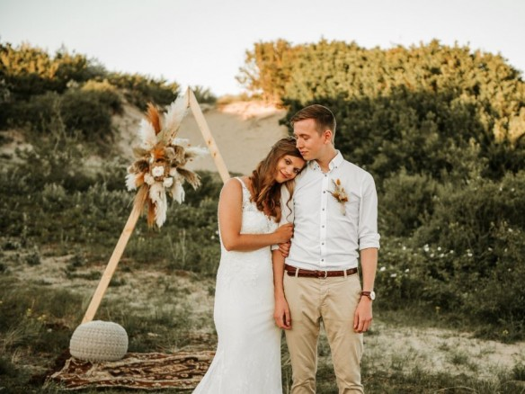 golden hour styled shoot in katwijkse duinen