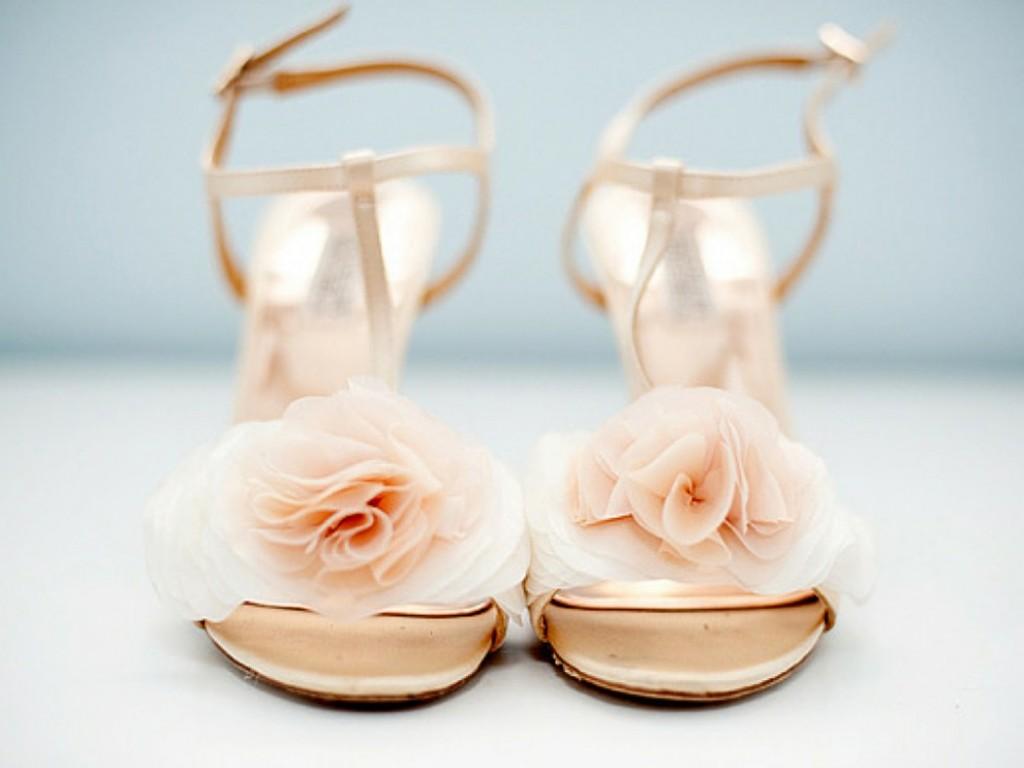 Hoge hakken op je trouwdag zo voorkom je pijnlijke voeten