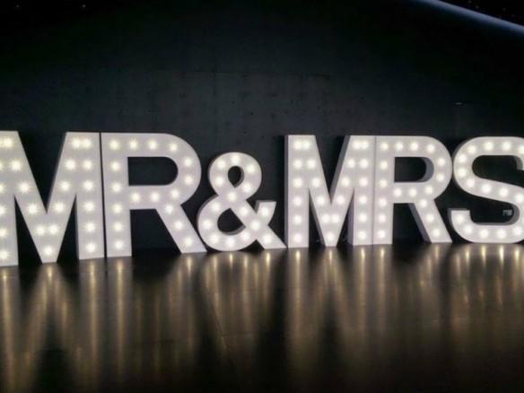 Letters Met Licht : Lichtletters op je bruiloft