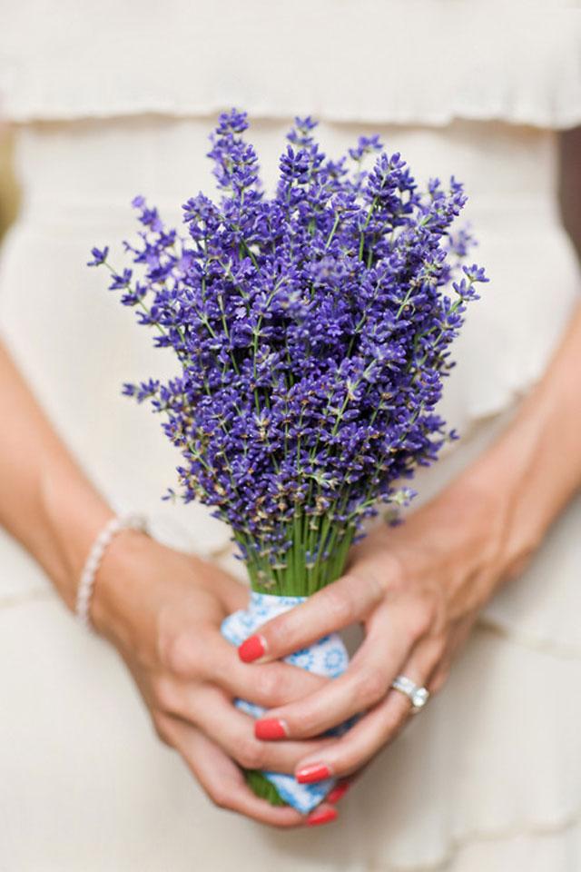 paars bruidsboeket