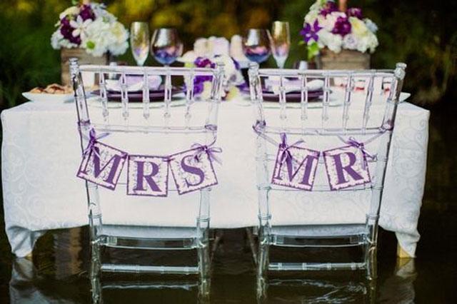 paarse decoratie bruiloft