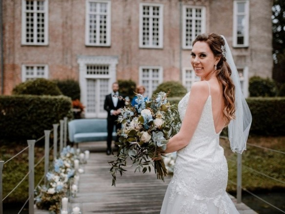 styled shoot dusty blue wedding