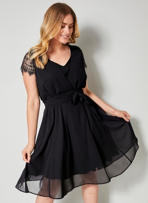 Sara Lindholm jurk met kant Happy Size