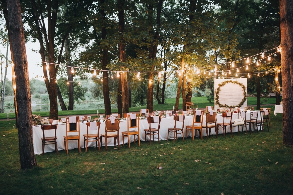 micro wedding trend in de tuin