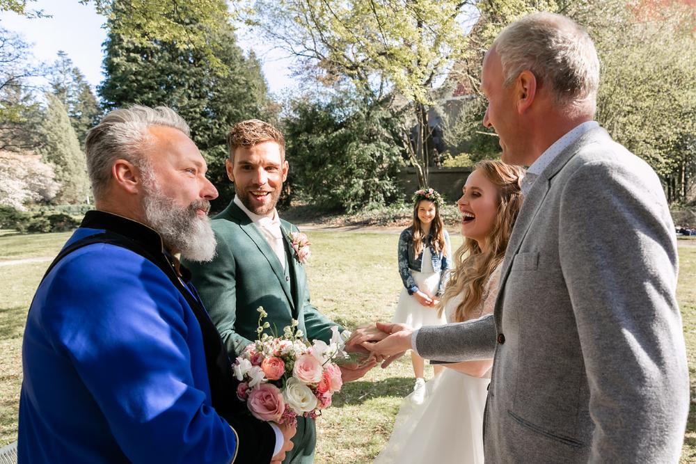 romantische lente bruiloft bij oud klooster 21