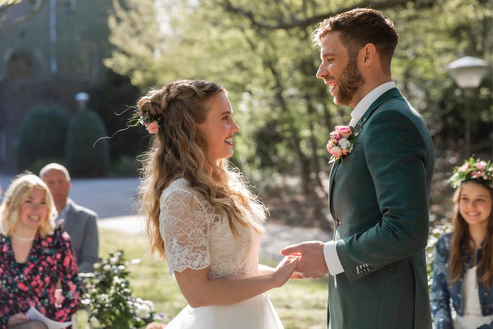 romantische lente bruiloft bij oud klooster 23