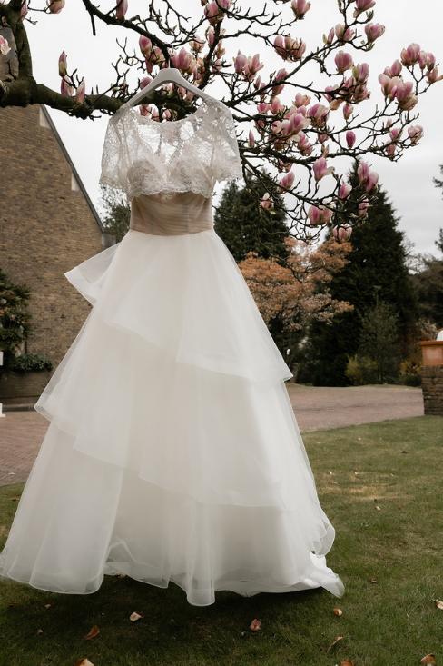 romantische lente bruiloft bij oud klooster 44