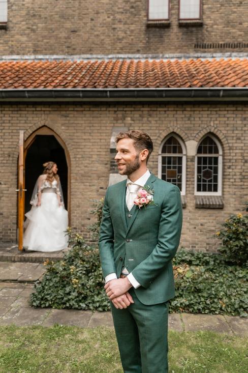 romantische lente bruiloft bij oud klooster 52