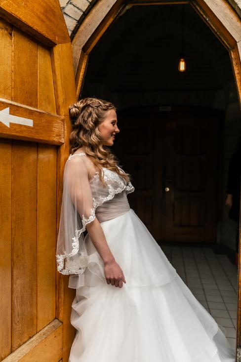 romantische lente bruiloft bij oud klooster 53