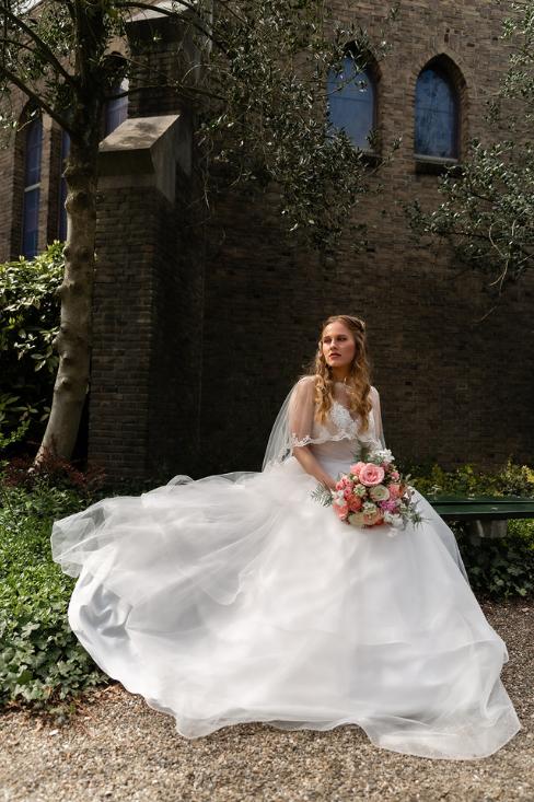 romantische lente bruiloft bij oud klooster 54