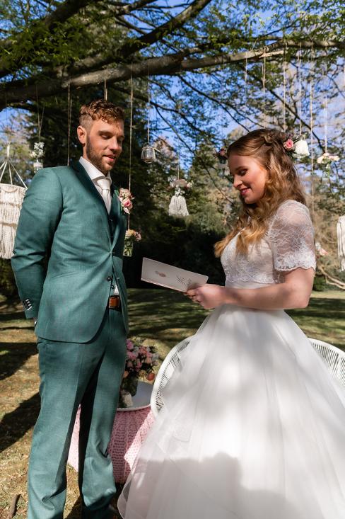 romantische lente bruiloft bij oud klooster 68