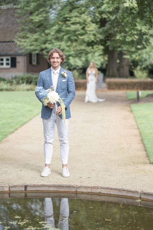 wanneer elkaar voor het eerst zien bruiloft bruidspaar first look - Marion Meyer Photography